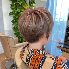 大人ハイライト ショートヘア ナチュラル ショート ヘアスタイルや髪型の写真・画像