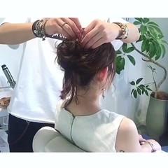 セミロング お団子 ルーズ ヘアアレンジ ヘアスタイルや髪型の写真・画像