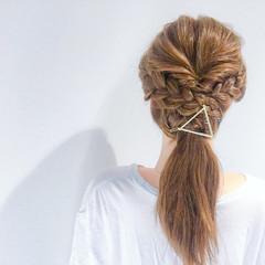 デート 簡単ヘアアレンジ 結婚式 エレガント ヘアスタイルや髪型の写真・画像