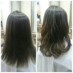ハイライト セミロング ガーリー フェミニン ヘアスタイルや髪型の写真・画像