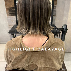 大人ハイライト 切りっぱなしボブ ミニボブ バレイヤージュ ヘアスタイルや髪型の写真・画像