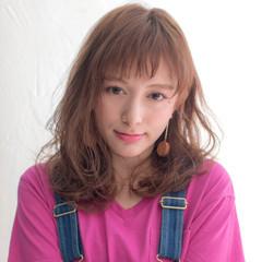 女子会 デート リラックス フェミニン ヘアスタイルや髪型の写真・画像