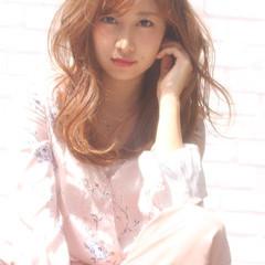 ミルクティー ニュアンス フェミニン かわいい ヘアスタイルや髪型の写真・画像