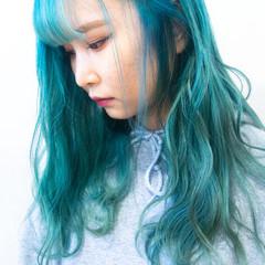 ハイトーンカラー モード エメラルドグリーンカラー ターコイズブルー ヘアスタイルや髪型の写真・画像