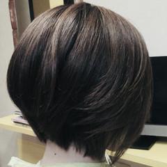 前下がりボブ エレガント ショート ミニボブ ヘアスタイルや髪型の写真・画像