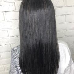 ナチュラル 色濃く透ける グレージュ ハイライト ヘアスタイルや髪型の写真・画像