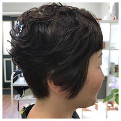 暗髪 ショート こなれ感 パーマ ヘアスタイルや髪型の写真・画像