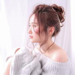 ヘアアレンジ バレンタイン 謝恩会 セミロング ヘアスタイルや髪型の写真・画像