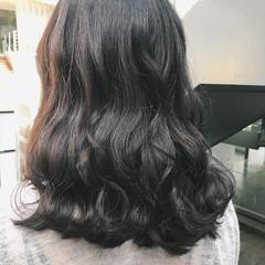 フェミニン アンニュイ ミディアム ヘアアレンジ ヘアスタイルや髪型の写真・画像