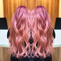 ピンクアッシュ ガーリー セミロング ピンク ヘアスタイルや髪型の写真・画像