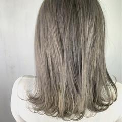 アッシュグレージュ 外国人風カラー ストリート ホワイト ヘアスタイルや髪型の写真・画像