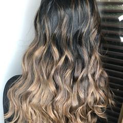 アッシュ 外国人風カラー エレガント ハイライト ヘアスタイルや髪型の写真・画像