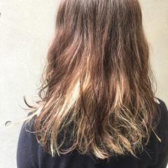 くせ毛風 セミロング ストリート ブリーチ ヘアスタイルや髪型の写真・画像