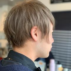 メンズカラー 透明感カラー ミルクティーベージュ ショート ヘアスタイルや髪型の写真・画像