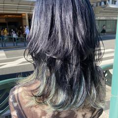 ブリーチカラー セミロング インナーカラー ナチュラル ヘアスタイルや髪型の写真・画像