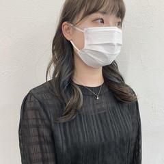 インナーカラー セミロング 韓国ヘア デザインカラー ヘアスタイルや髪型の写真・画像