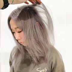 ハイトーンカラー ミルクティー フェミニン ホワイトカラー ヘアスタイルや髪型の写真・画像