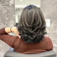 ストリート レイヤースタイル ミディアム ママ ヘアスタイルや髪型の写真・画像