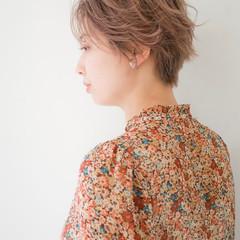 パーマ デート ショート ハイトーン ヘアスタイルや髪型の写真・画像