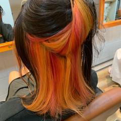 ブリーチカラー ミディアム インナーカラー オレンジ ヘアスタイルや髪型の写真・画像