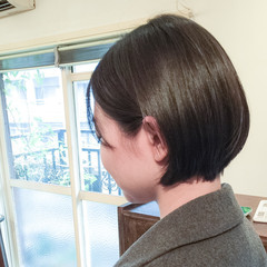 ボブ アッシュ ナチュラル 黒髪 ヘアスタイルや髪型の写真・画像