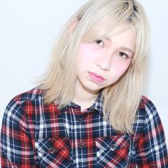 外国人風 ボブ 金髪 ブラントカット ヘアスタイルや髪型の写真・画像