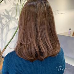 大人ハイライト 極細ハイライト ナチュラル 白髪染め ヘアスタイルや髪型の写真・画像