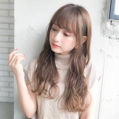 巻き髪 ロング 前髪 レイヤー ヘアスタイルや髪型の写真・画像