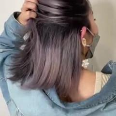 インナーカラー インナーカラーパープル ダークグレー グレージュ ヘアスタイルや髪型の写真・画像