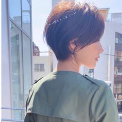 ミニボブ 切りっぱなしボブ フェミニン ショートボブ ヘアスタイルや髪型の写真・画像