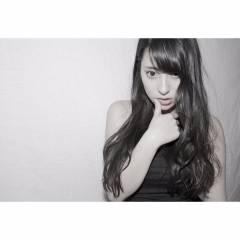 ロング 外国人風 ベース型 黒髪 ヘアスタイルや髪型の写真・画像