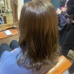 オリーブベージュ ナチュラル ベージュ オリーブグレージュ ヘアスタイルや髪型の写真・画像