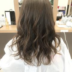 外国人風 ロング アッシュ ニュアンス ヘアスタイルや髪型の写真・画像