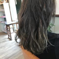 グラデーションカラー ナチュラル アッシュ グレーアッシュ ヘアスタイルや髪型の写真・画像