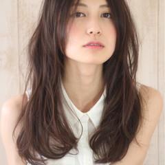 大人女子 パーマ 小顔 ロング ヘアスタイルや髪型の写真・画像