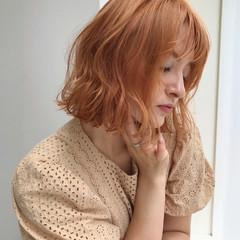 オレンジブラウン ショートヘア フェミニン ボブ ヘアスタイルや髪型の写真・画像