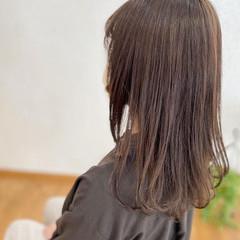 シアーベージュ ナチュラル アッシュベージュ ベージュ ヘアスタイルや髪型の写真・画像