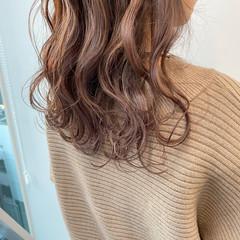 ラベンダーアッシュ フェミニン ロング 春 ヘアスタイルや髪型の写真・画像