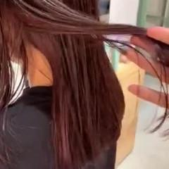 インナーカラー ストレート ロング ナチュラル ヘアスタイルや髪型の写真・画像