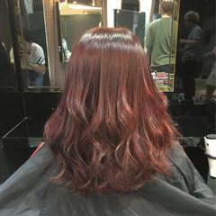 巻き髪 ストリート セミロング レッド ヘアスタイルや髪型の写真・画像