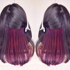 インナーカラー アウトドア セミロング 秋 ヘアスタイルや髪型の写真・画像