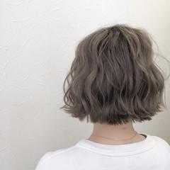 ナチュラル ミルクティー グレージュ グラデーションカラー ヘアスタイルや髪型の写真・画像