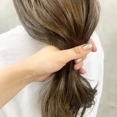 シアーベージュ イルミナカラー グレージュ ロング ヘアスタイルや髪型の写真・画像