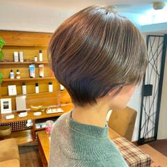 大人可愛い ショートヘア イルミナカラー ナチュラル ヘアスタイルや髪型の写真・画像