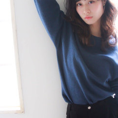 ベース型 黒髪 フェミニン ミディアム ヘアスタイルや髪型の写真・画像
