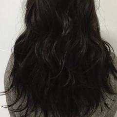 リラックス ウェーブ アンニュイ 外国人風 ヘアスタイルや髪型の写真・画像