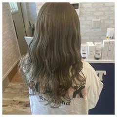 フェミニン ロング 外国人風カラー ブリーチカラー ヘアスタイルや髪型の写真・画像