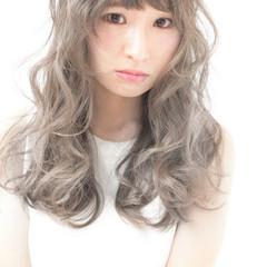 アッシュ パーマ ゆるふわ ハイライト ヘアスタイルや髪型の写真・画像
