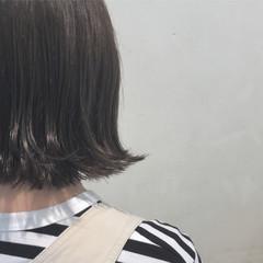 切りっぱなし 外ハネ ボブ アッシュ ヘアスタイルや髪型の写真・画像