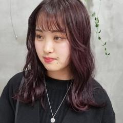 レッドカラー 韓国 赤髪 ガーリー ヘアスタイルや髪型の写真・画像